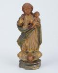 NOSSA SENHORA COM MENINO. Rara imagem miniatura em marfim Indo-português policromado. Alt.: 9cm. Gôa - séc. XVIII. (Pequeno lascado na extremidade da base).