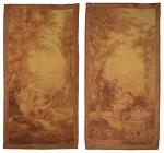 """Par de esplêndidas tapeçarias francesas """"Aubusson"""" do séc. XVIII, representando """"Personagens provençais em cena romântica na beira do lago"""", medindo: 2,76 x 1,37 = 3,78m². (No estado). Reproduzido com foto no catálogo."""